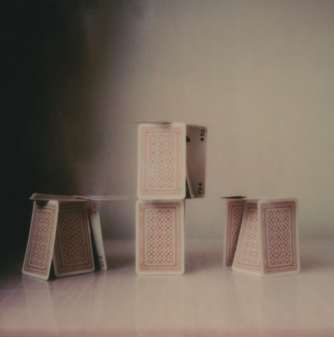 Château de cartes, polaroid, 2019